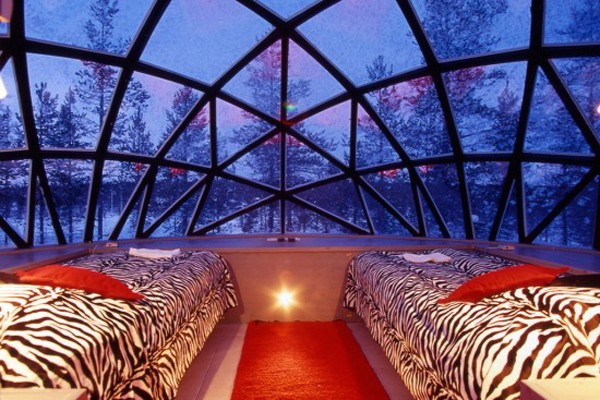 7. Glass Igloo – Kakslauttanen Igloo Village (Lapland, Finland)