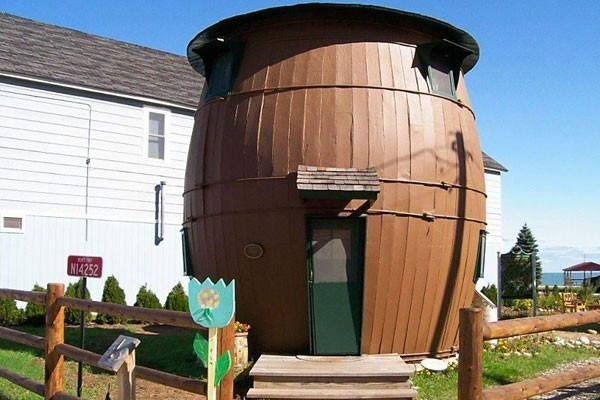 The beer barrel-shape house