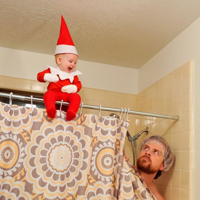 The elf has phone hanging out with the whole family