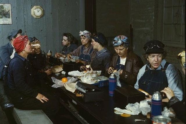 13. Railway ladies