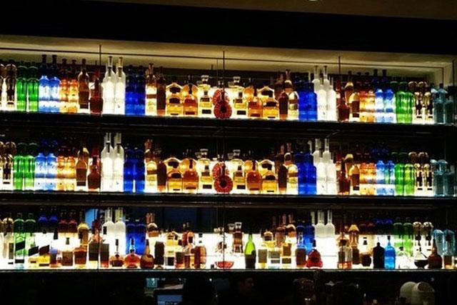 7. A well organized bartender