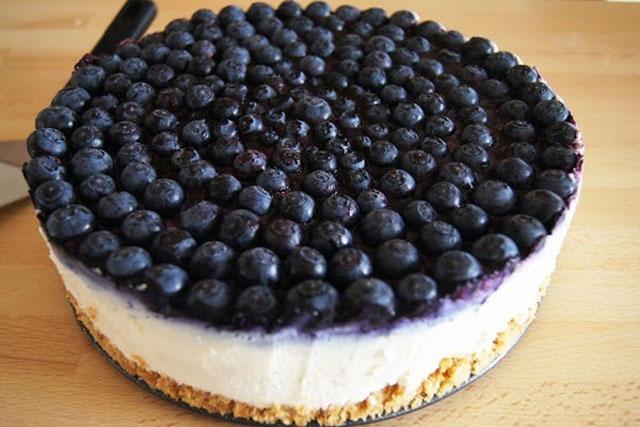 9. Blueberry Cake