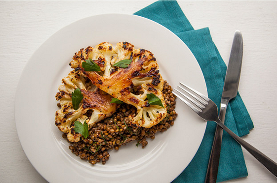 Grilled cauliflower with lentils