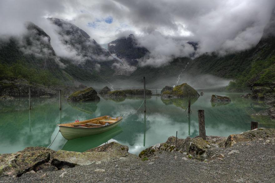 13. Lake Bondhus