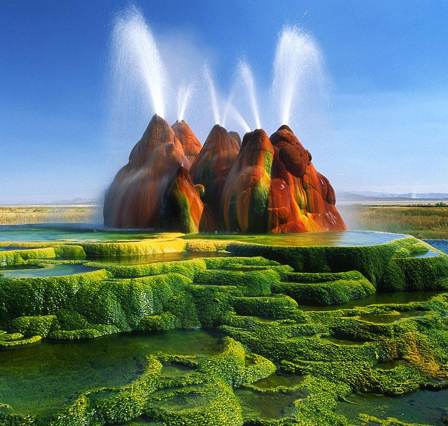 3. Fly Geyser, Nevada, Usa