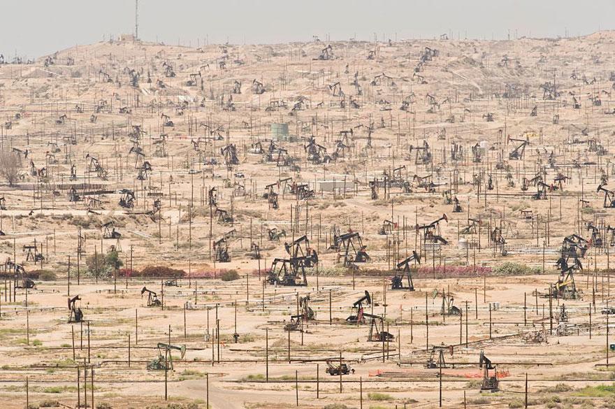 18. Ken River Oil Field, California
