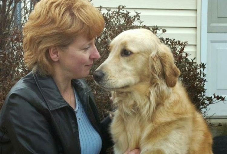 He saved his owner from choking with an apple