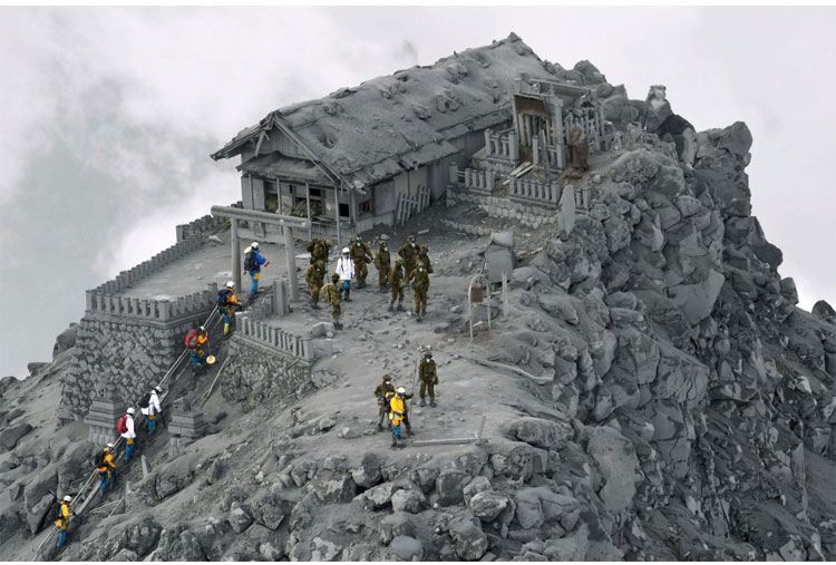 A temple in Japan was covered in ash after a volcano eruption