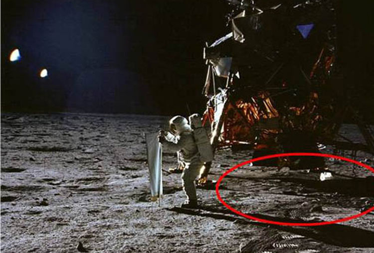 There are no signs of the Apollo 11's landing