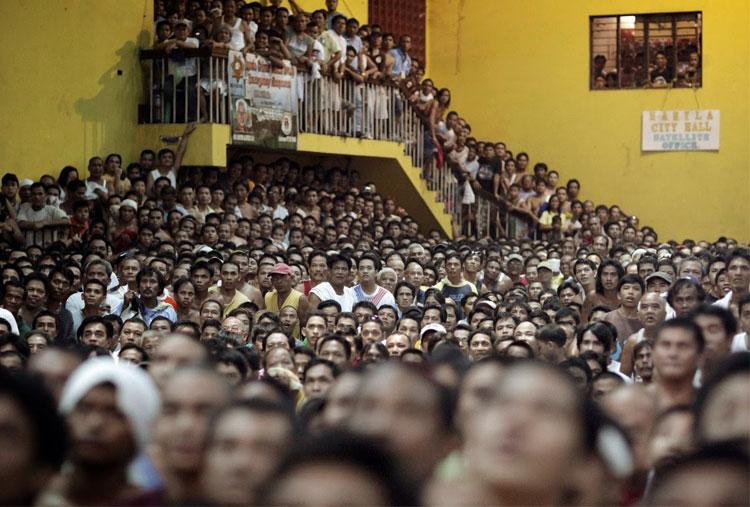 1814b12fc197 Shocking photos of human overpopulation