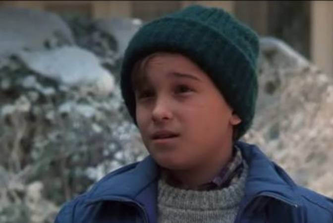 Johnny Galecki (Leonard) was an actor since he was a child