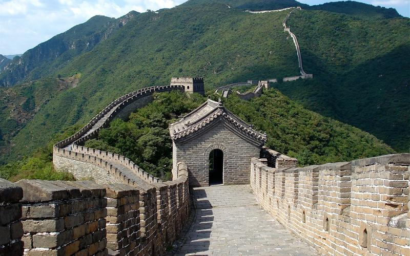 LIE: Great Wall of China can be seen from space