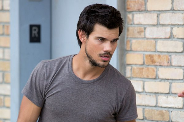 Taylor Lautner started with the right foot