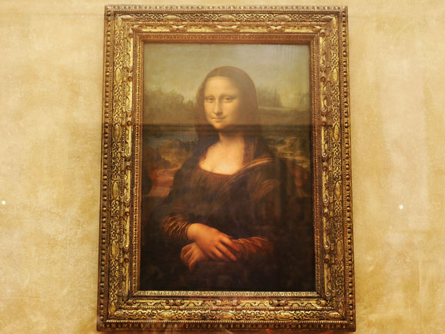 The Monalisa - Louvre Museum