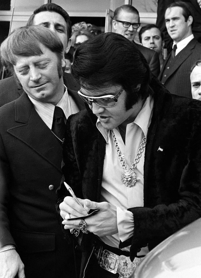 What does the signature of Elvis Presley mean?