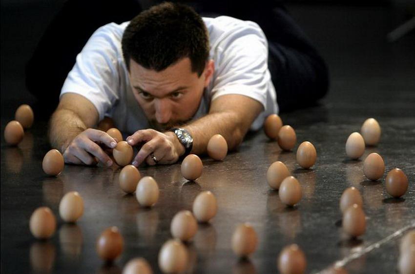 Egg-standing Master