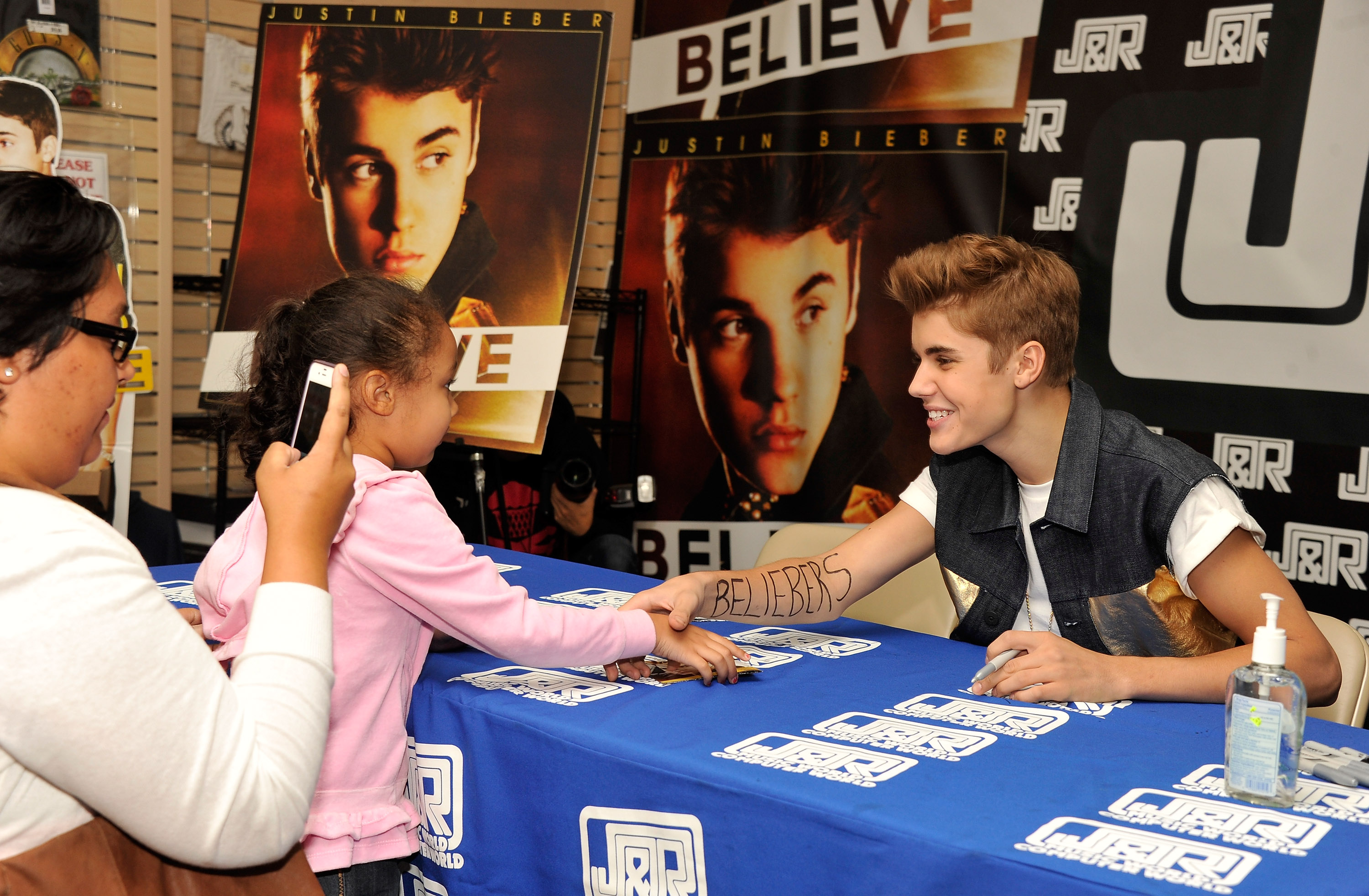 What does the signature of Justin Bieber mean?