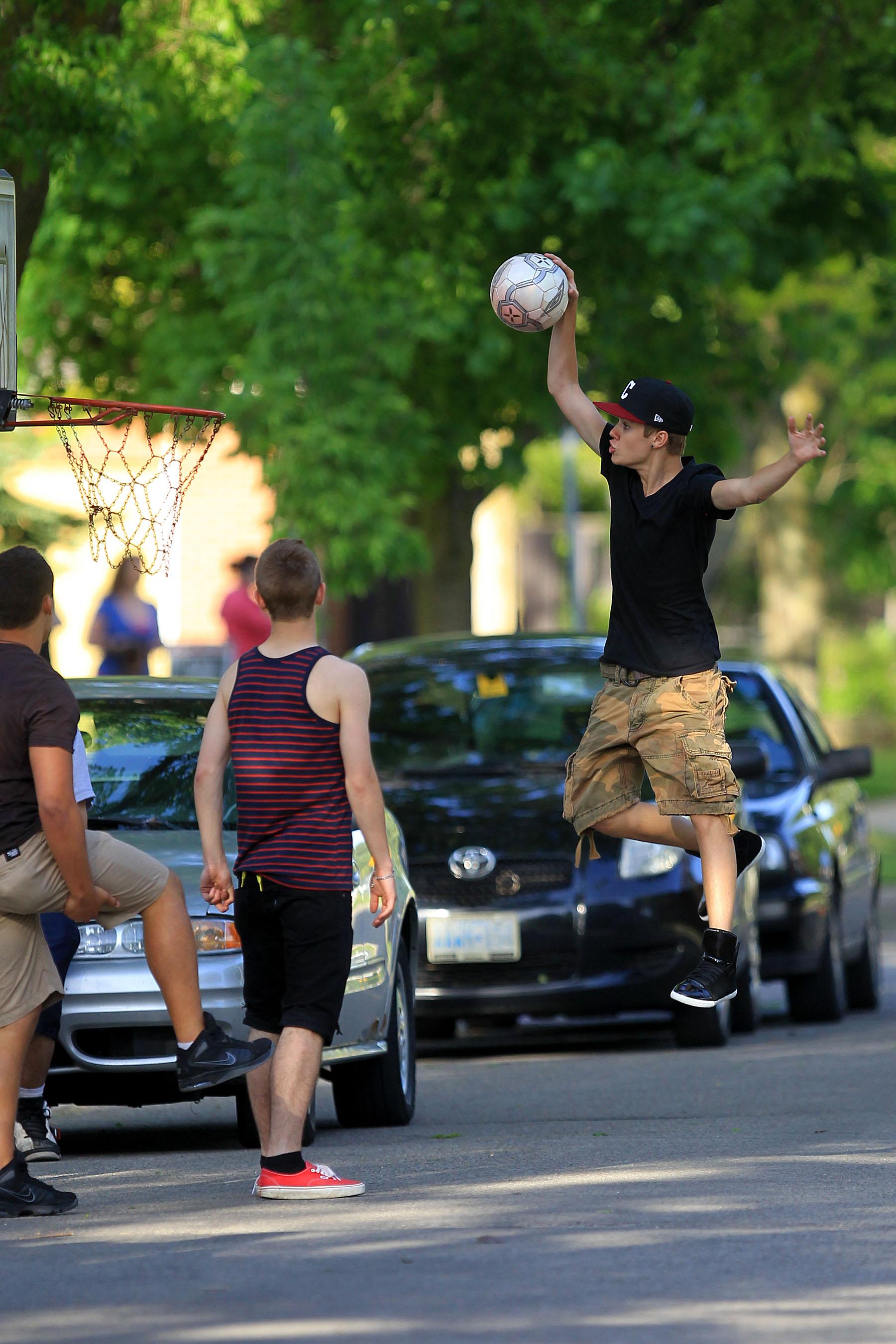 Justin Bieber is sport fan