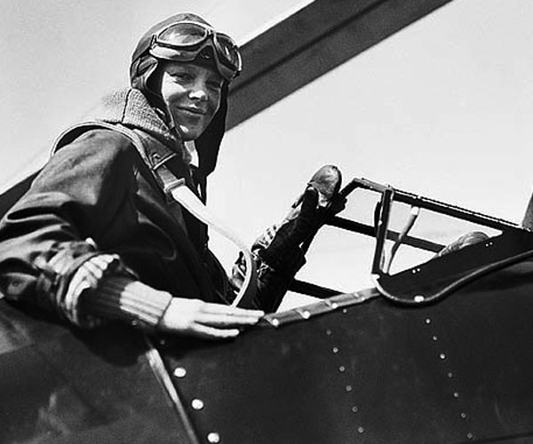 Amelia Earhart: First Woman to Fly Across the Atlantic Alone