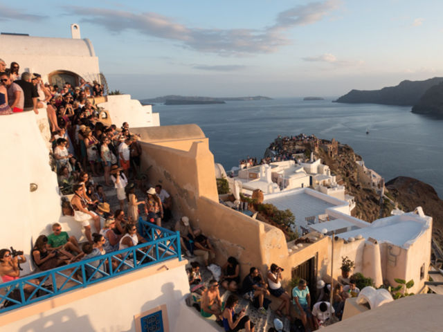 What does Santorini really looks like?