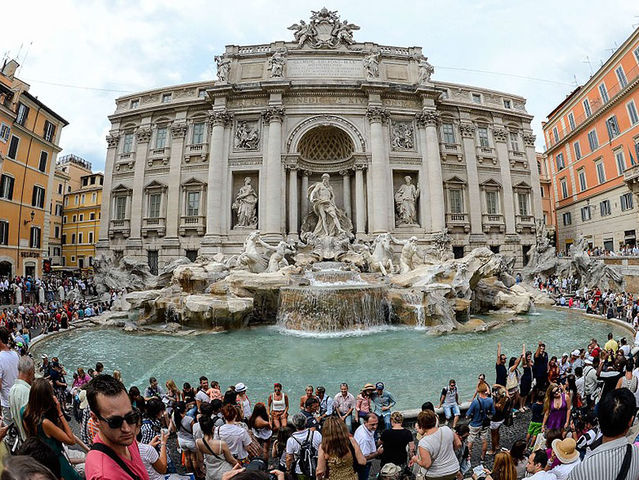Trevi Fountain on a normal day