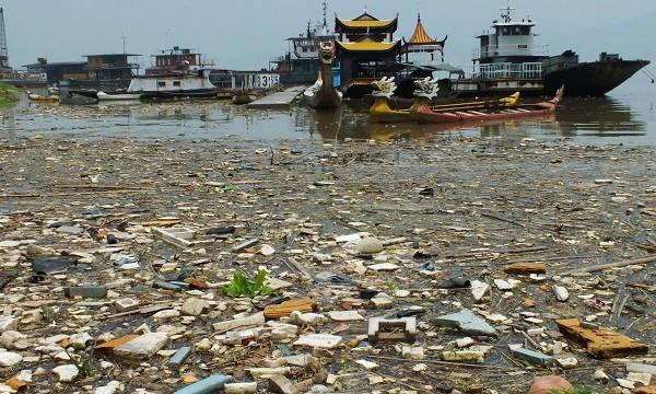 Contaminated rivers and lakes