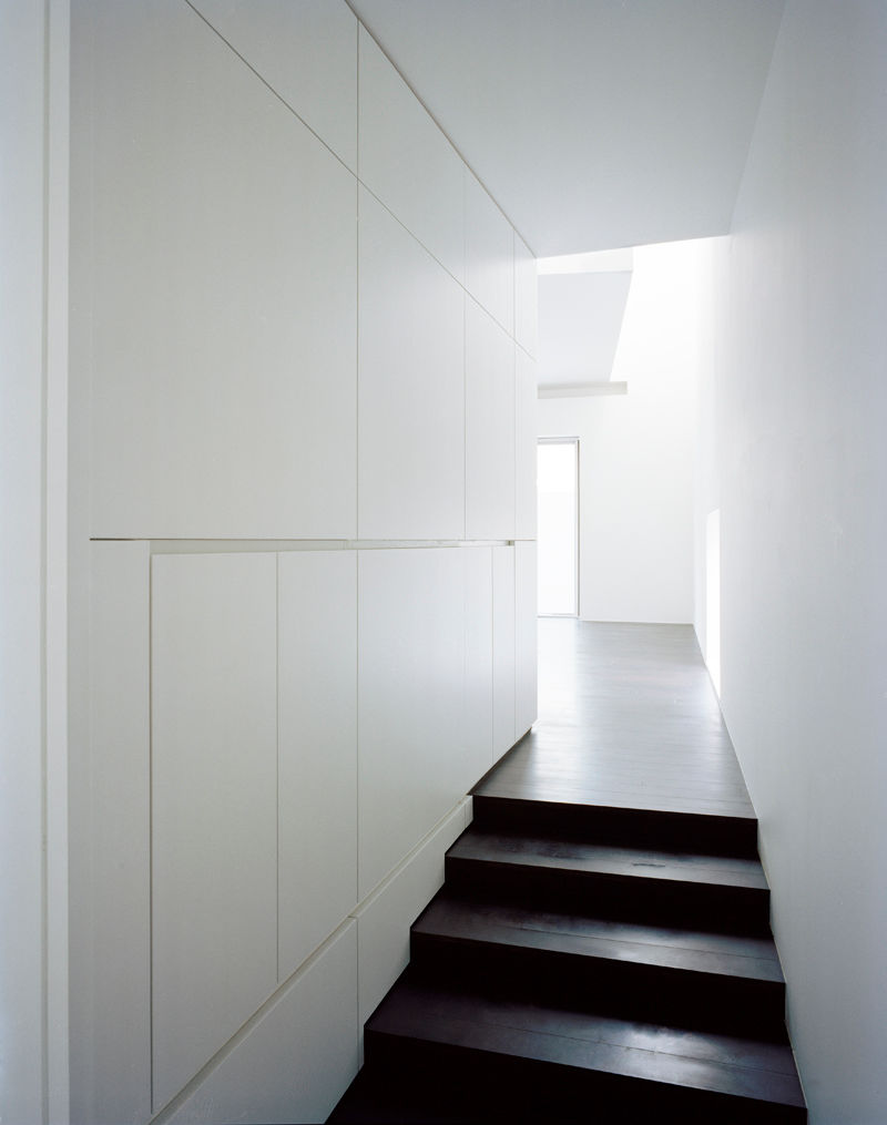 White gives the sensation of big spaces