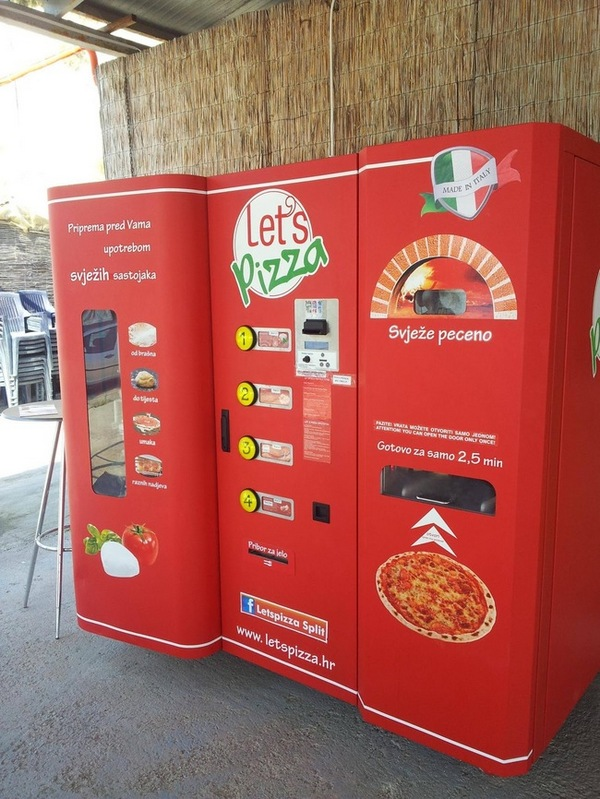 Machine to bake pizzas in just seconds