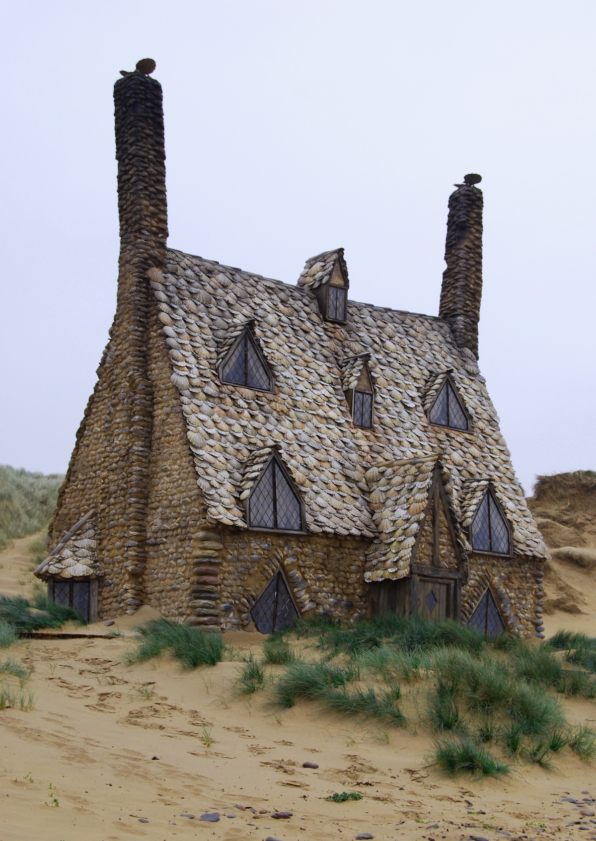 The quirky Harry Potter seashell hut actually existsed!
