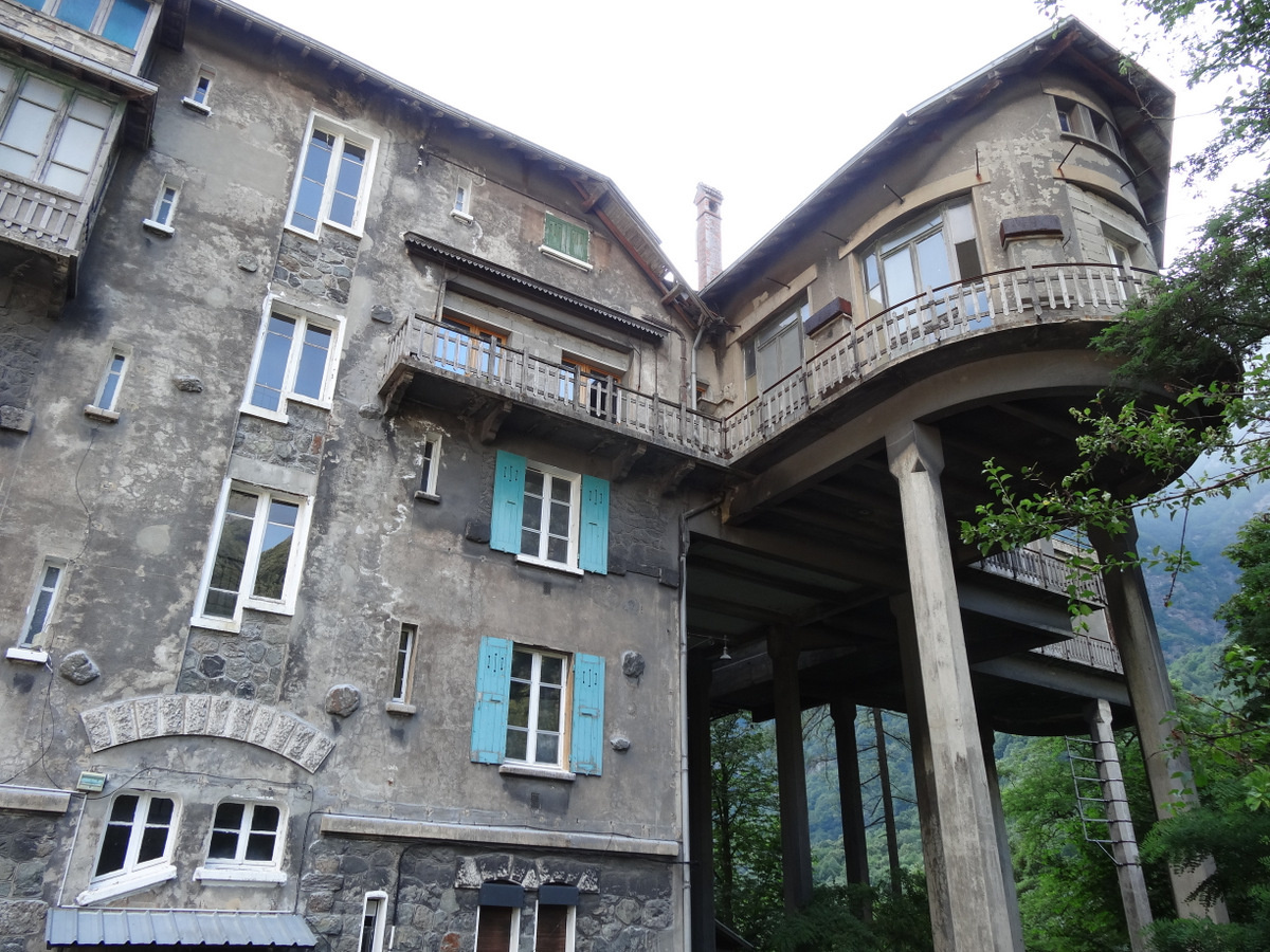 This horror movie house in the French Alps is for sale