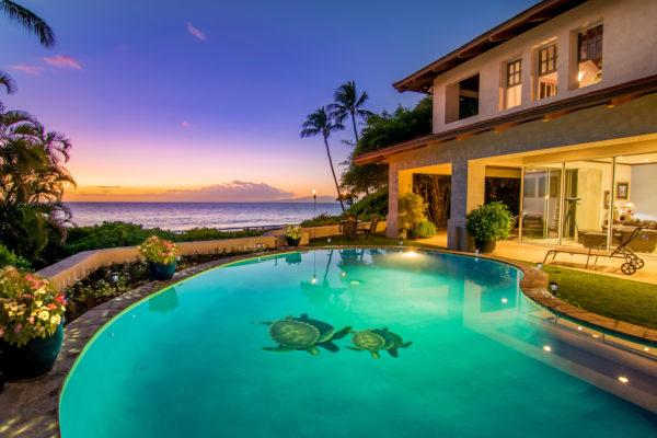 Maui's pool