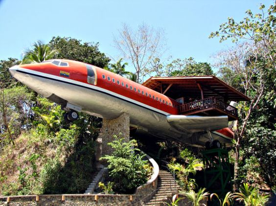 Airplane hotel - Costa Rica
