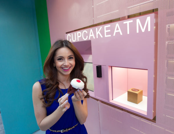 Automatic cupcakes cashier