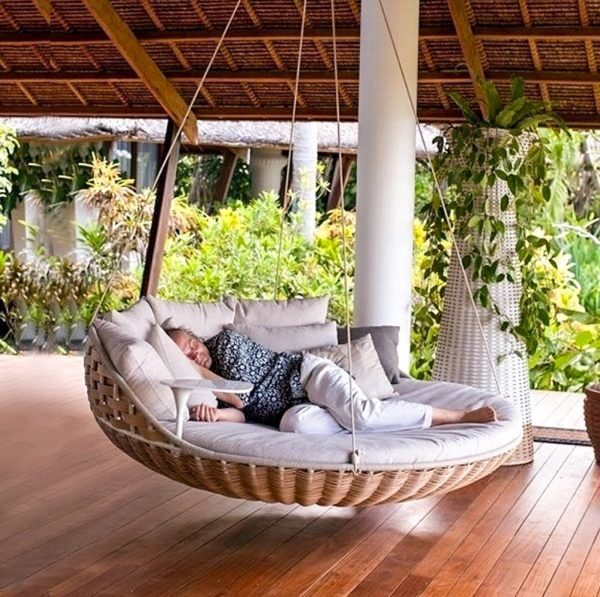 2. Hanging bed