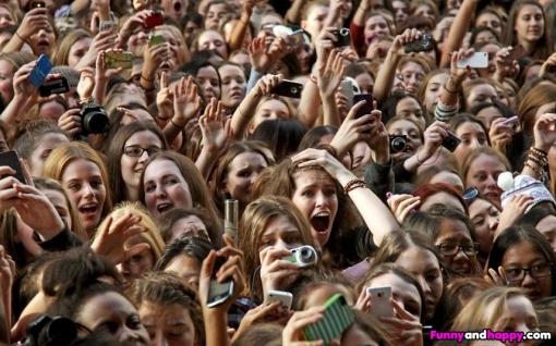 Crazy fans!