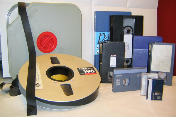 Disc and tape players