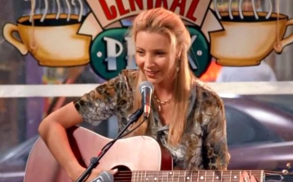 Lisa Kudrow and the guitar