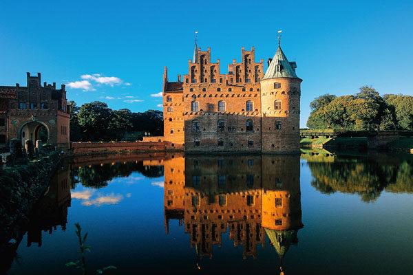 Finding Greacasttest Castles - Denmark