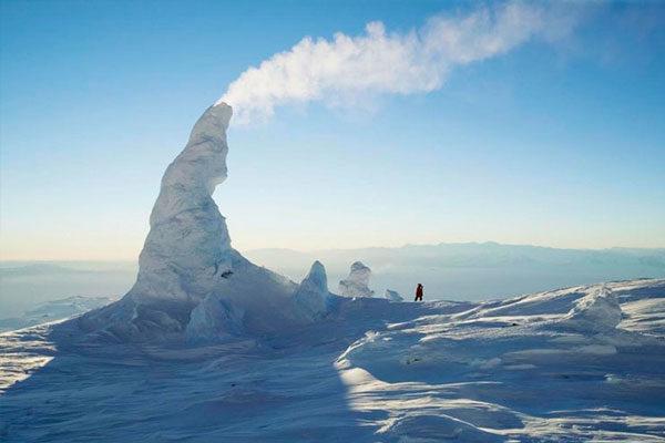 Snow Chimney, Artict